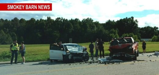 Portland: Head-On Accident Hwy 52 Near Sandy Ave