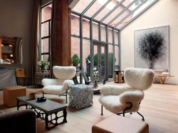 Guest-Room-Area-Apartment-Classic-With-Dominated-Wood-Interior-Design