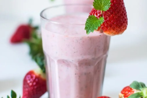 Keto Strawberry Cheesecake Smoothie