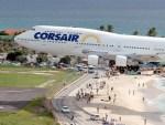 【動画あり】世界で最も危険な空港の一つ「プリンセス・ジュリアナ国際空港」がスレスレすぎて怖すぎる