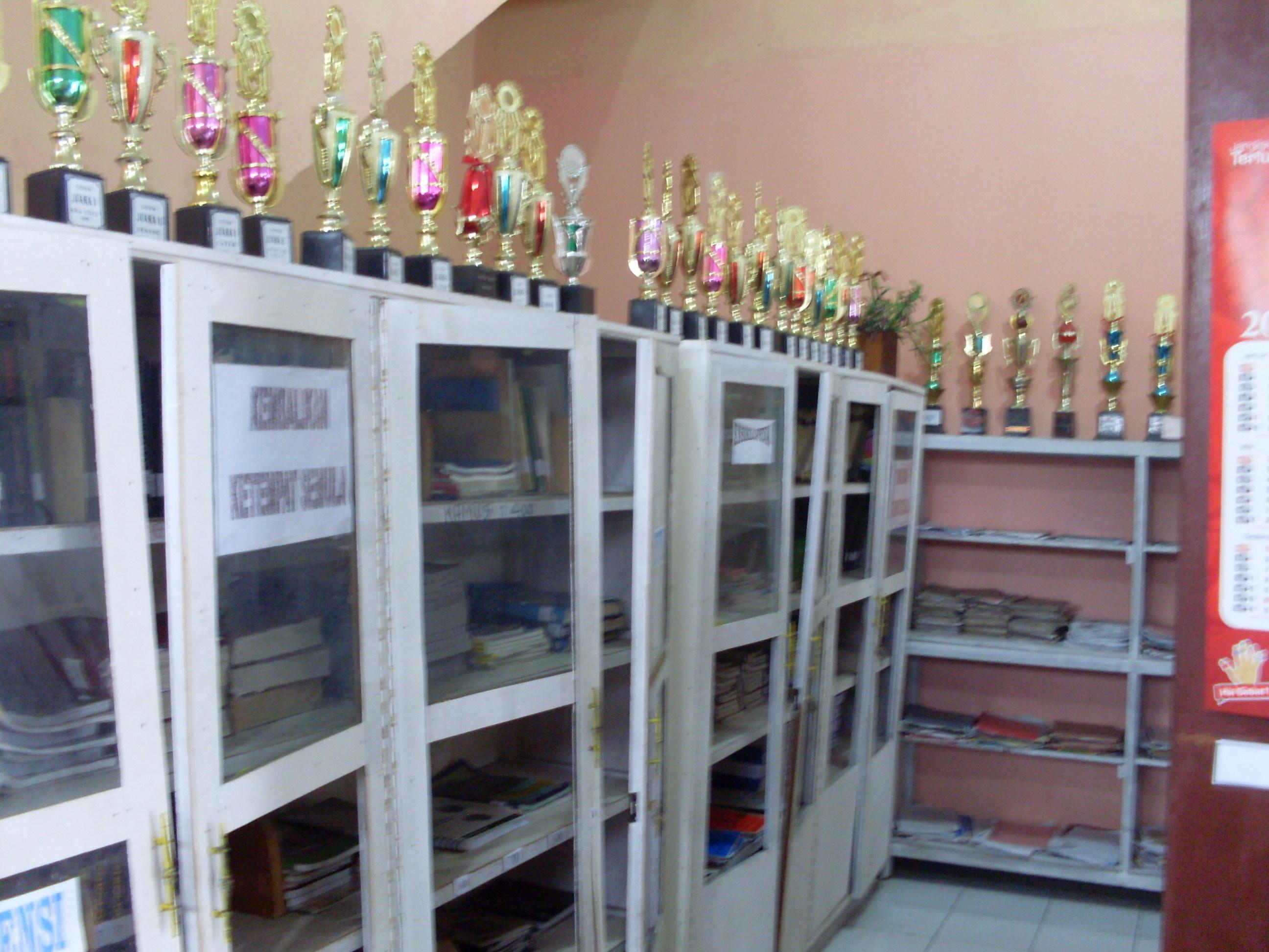 Perpustakaan  SMP NEGERI 1 TANJUNGBALAI