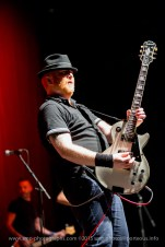 Finny McConnell - The Mahones