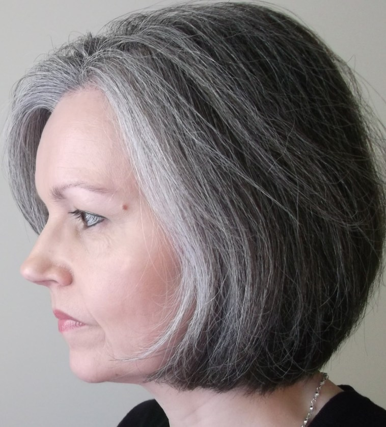 10-TIPS-TO-PREVENT-HAIR-FROM-GOING-GRAY