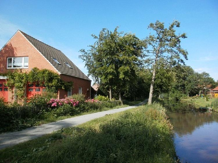 Ferienwohnung Norden Norddeich Ostfriesland Haus am Flu Garten in IhlowRiepe Nordseenhe