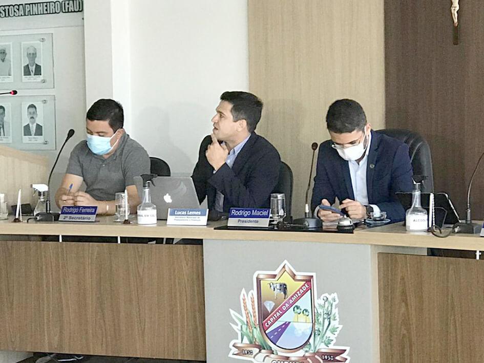 Secretário de Planejamento e Finanças comparece à Câmara Municipal de Gurupi e participa de audiência pública