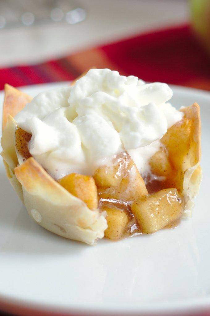 Apple Pie Wonton Cups