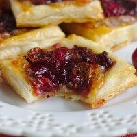 Cranberry Brie Bites
