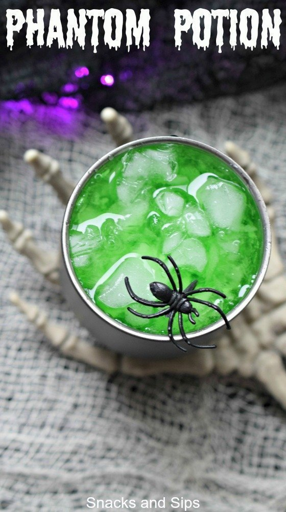 Need a fun but easy to make Halloween cocktail. Phantom Potion is party perfect! Simple to make, it looks eerie and tastes great.