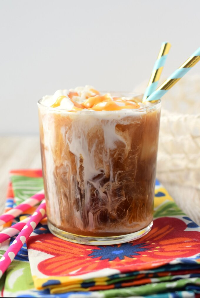 Iced Caramel Latte {Starbucks Copycat}