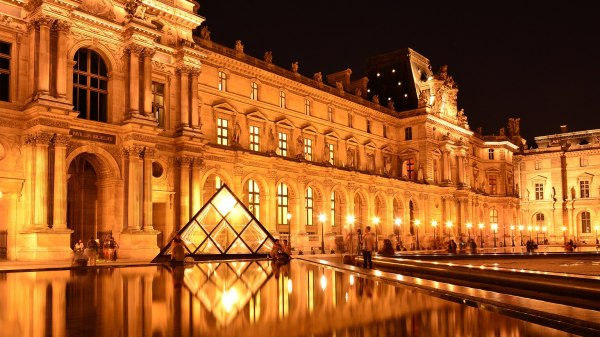 The Louvre Museum History