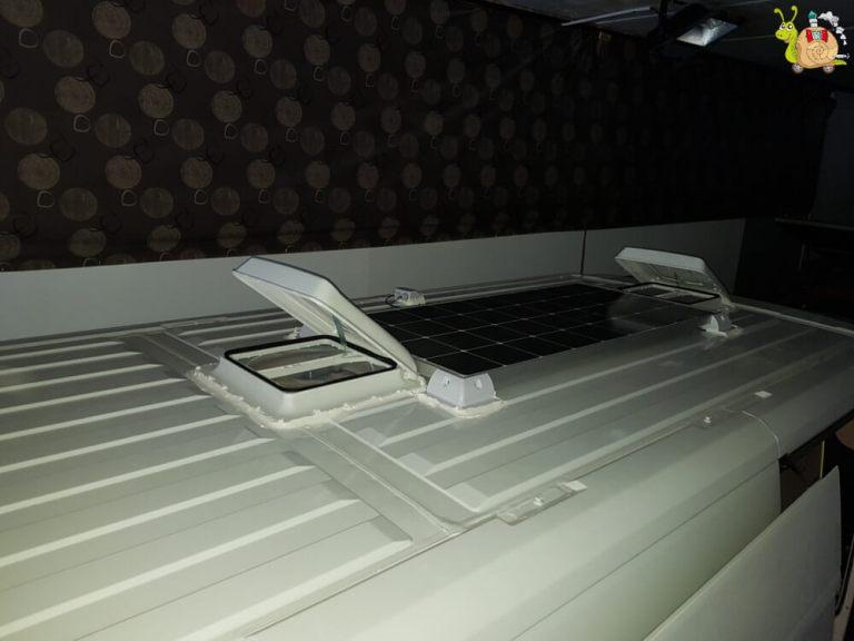 claraboyas y placas solares