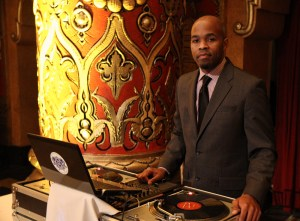 DJ-Graffiti-DJing-wedding-at-Fox-Theatre-Detroit-Michigan