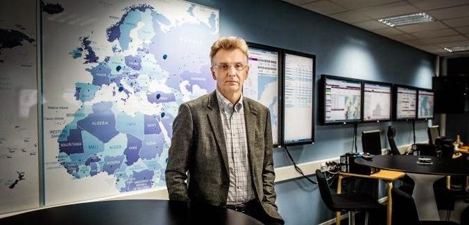 Anders Danielsson i migrationsverkets kommandocentral
