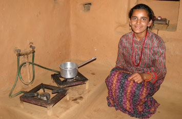 biogasn-India-Cooking-stove-plants-alt-energy-fuel