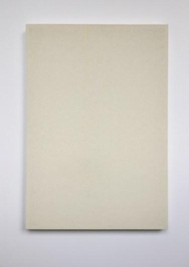 OT. 2014, wood, fabric, rubber band, 42 x 59,5 cm / Sans titre. 2014, bois, tissu, bande en caoutchouc, 42 x 59,5 cm