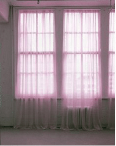 Predictive curtains. 2014, dyed fabric, dimensions variable. © Dimitri Mallet / Predictive curtains. 2014, tissu teinté, dimensions variables. © Dimitri Mallet