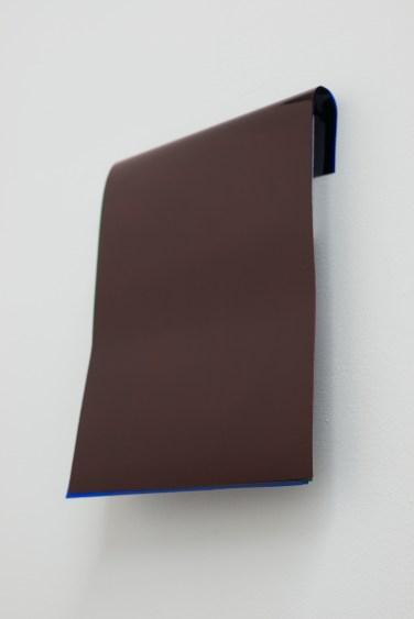 Für I-C-A²-T, 2014. Gélatines rouge, verte et bleue et bois, 21 x 29.7 cm / Für I-C-A²-T, 2014. Red, green and blue gelatines and wood, 21 x 29,7 cm