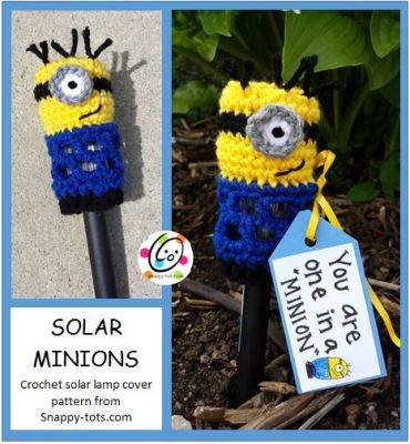 Free Pattern: You Are One in a Minion Solar Lamp Cover