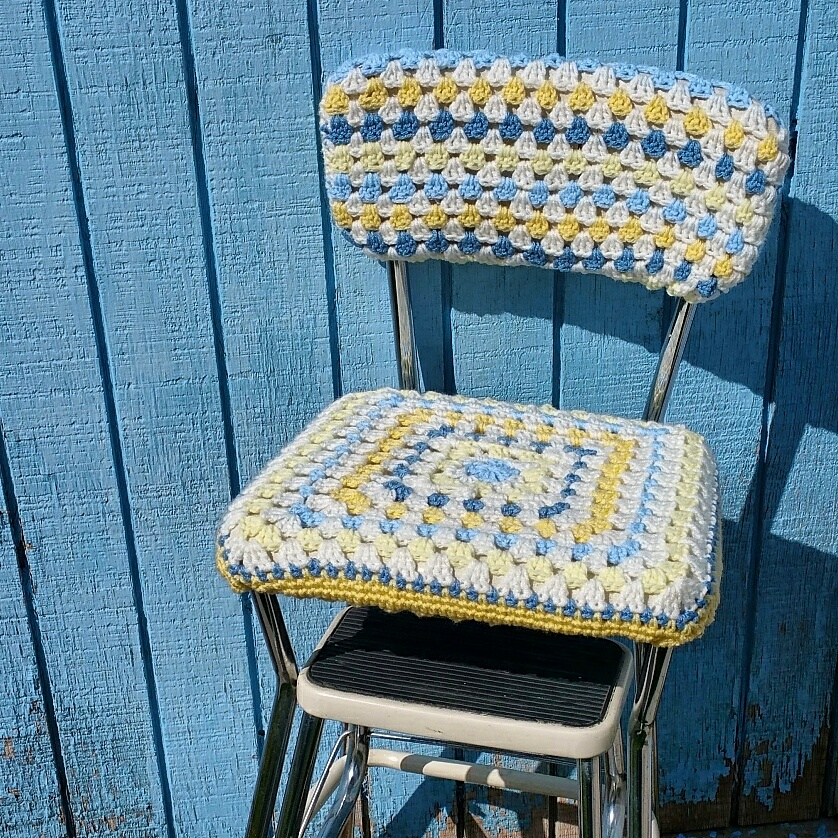 Diy Old Stool New Look With A Crocheted Seat Cover Snappy Tots