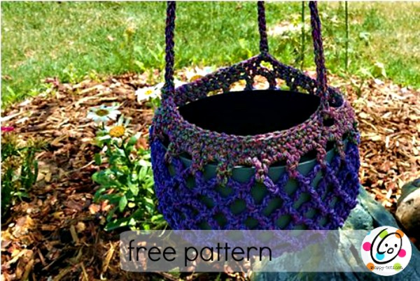free crochet pattern using red heart yarn.