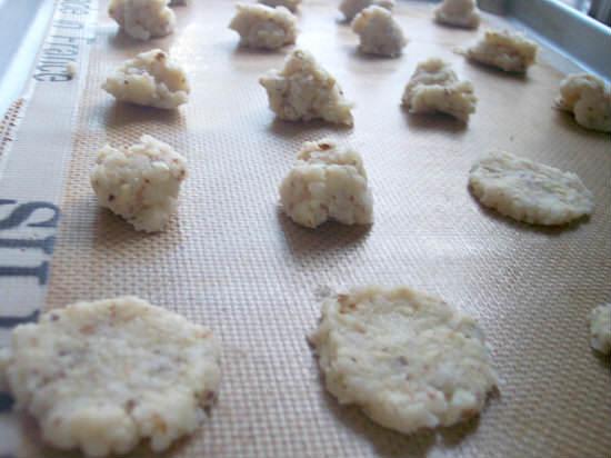 Coconut Amaretto Chocolate Sandwich Cookies Recipe | snapygourmet.com