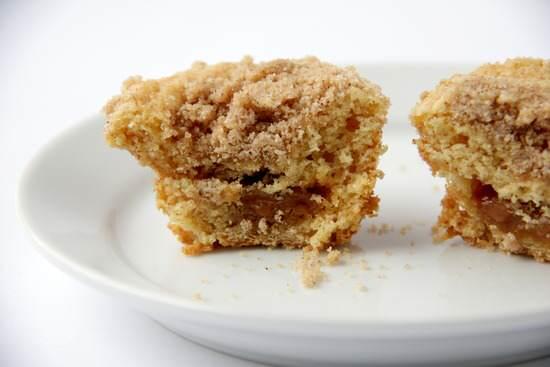 Mini Caramel Streusel Cakes Recipe | SnappyGourmet.com