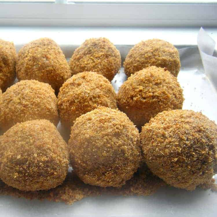Crispy easy fried ice cream no frying snappy gourmet fried ice cream recipe ice cream balls with coating ccuart Choice Image