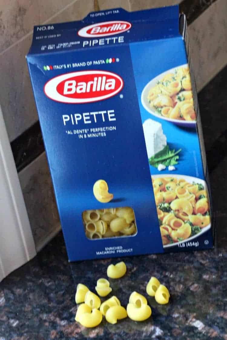 Buffalo Chicken Mac and Cheese (Crockpot) Recipe - Pipette pasta