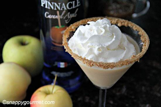 Caramel Apple Cheesecaketini recipe | snappygourmet.com