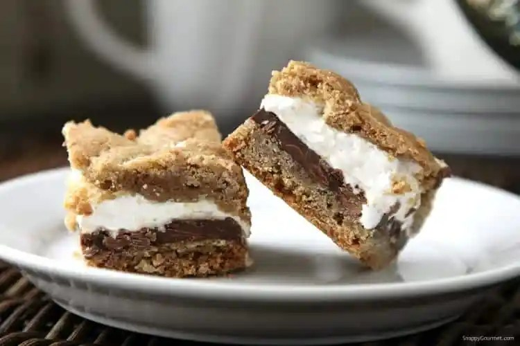 S'mores Bars Recipe - s'mores cookies that are easy to make with no campfire needed.