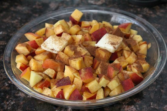 Peach Crisp Parfait - an easy and healthy snack or breakfast recipe | SnappyGourmet.com
