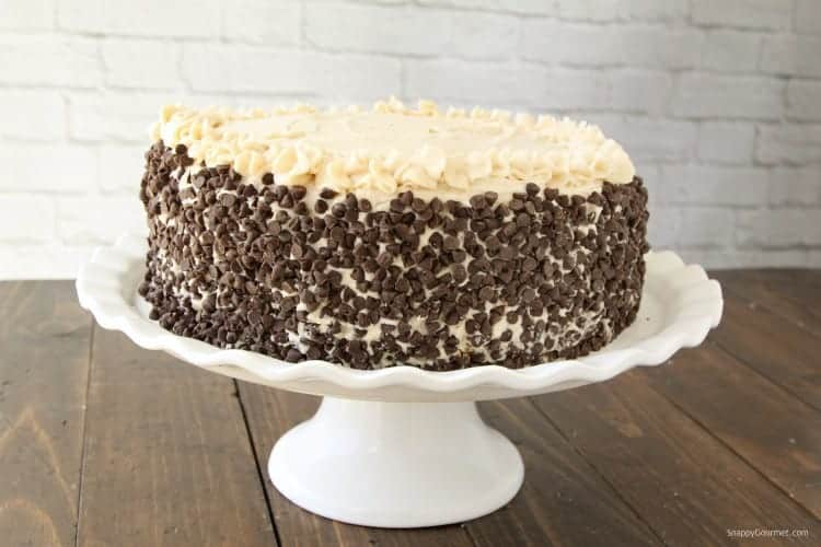 Cannoli Cake Recipe - an easy Italian cake with cannoli filling and loaded with mini chocolate chips
