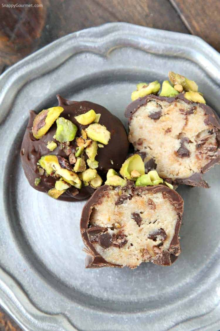 Cannoli Cream Chocolate Truffles - easy truffle dessert recipe like Italian cannolis