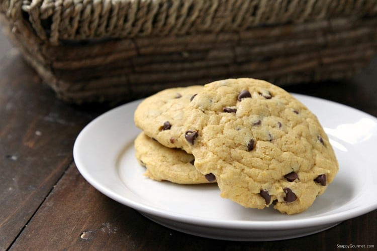 Pumpkin Chocolate Chip Cookies - pumpkin cookies loaded with pumpkin spice and chocolate chips