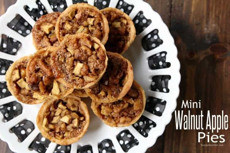 Mini Walnut Apple Pies - homemade little apple pies perfect for Thanksgiving