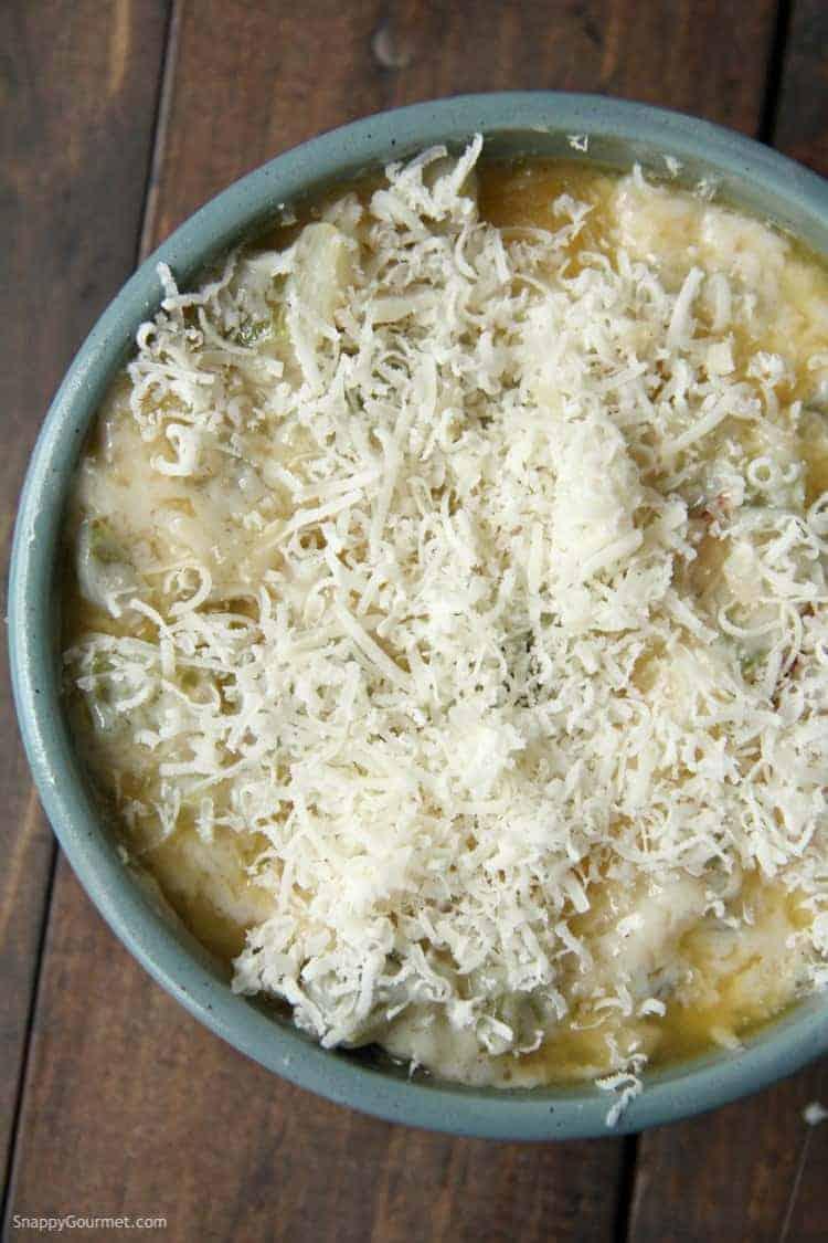 Cajun Alfredo Sauce in bowl