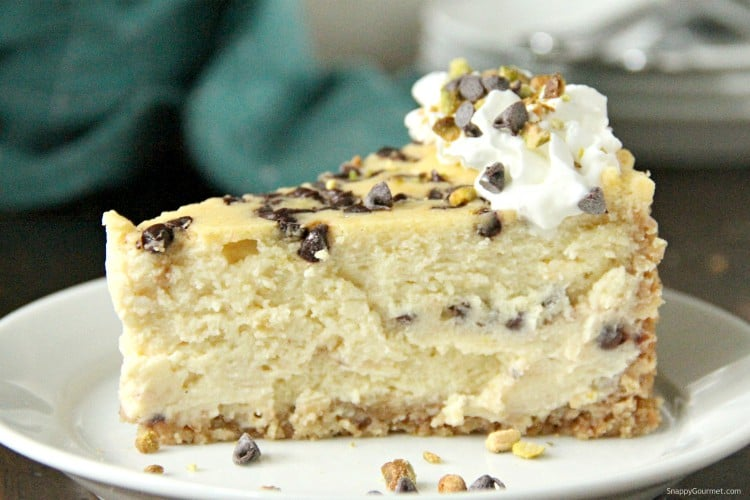 cannoli cheesecake slice