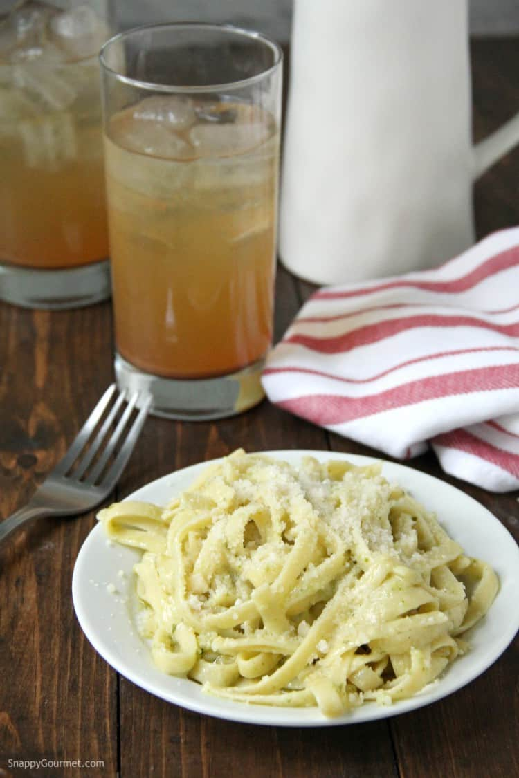 Pesto Alfredo fettuccine in bowl