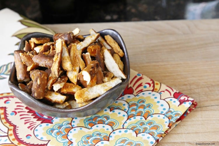 buffalo pretzels in bowl on colorful napkin