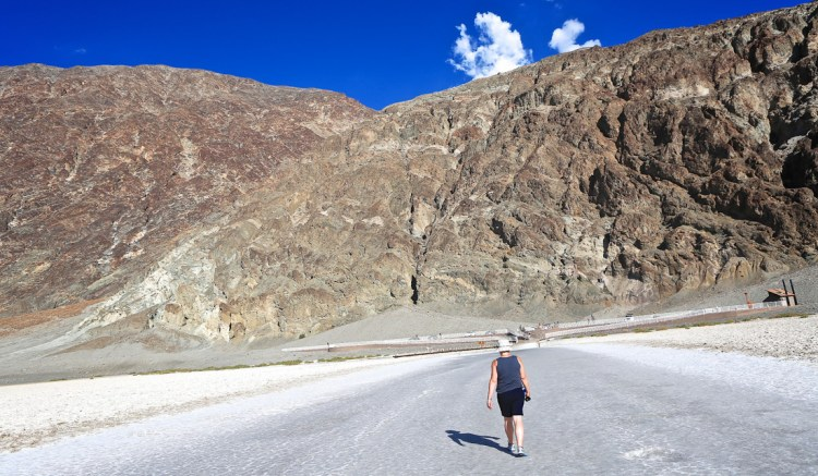 USA-Road-Trip-Scorching-Death-Valley-1032