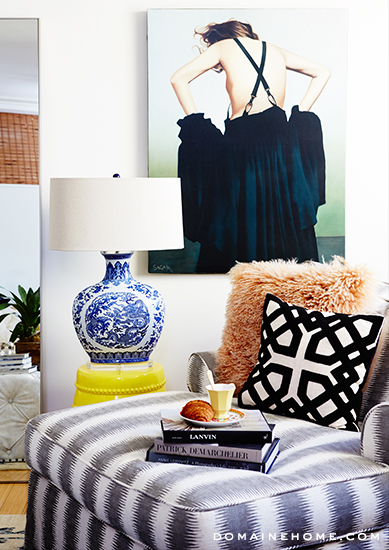 2-sitting-area-whitney-port-home-tour-venice-domaine-home (1)