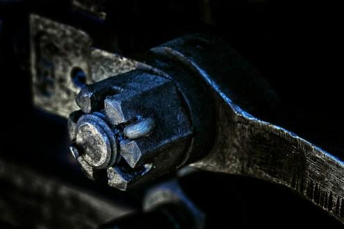 Engine Bolt