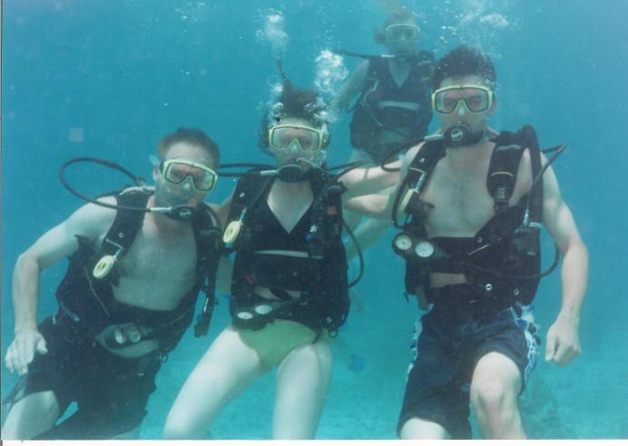 scuba_underwater_richard_vanessa_ryan_rosalind.jpg