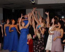 bouquet_toss.jpg