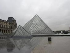 louvre_pyramids.jpg