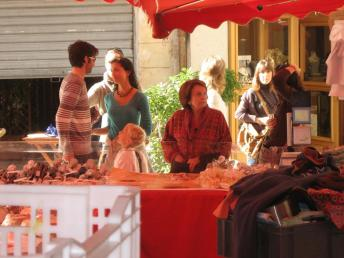 market_neils_elaine_perrine.jpg