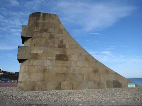 normandy_omaha_beach_memorial.jpg