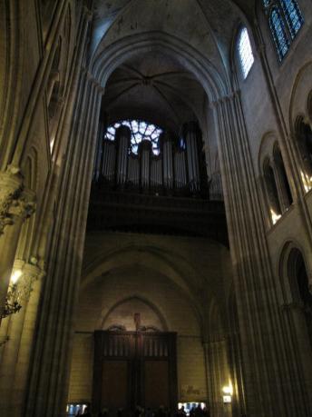notre_dame_interior_organ.jpg