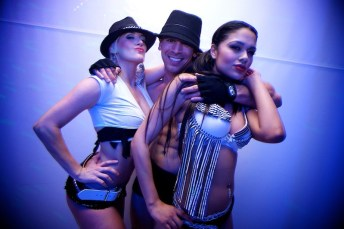 dancers_posing_2.jpg