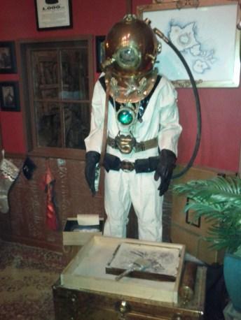 adventurers_diving_suit